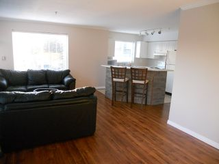 Photo 2: 307 33407 TESSARO Crescent in Abbotsford: Central Abbotsford Condo for sale : MLS®# F1212131