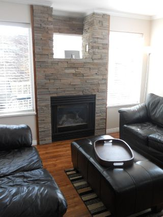 Photo 1: 307 33407 TESSARO Crescent in Abbotsford: Central Abbotsford Condo for sale : MLS®# F1212131