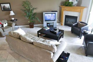 Photo 6: 415 Calderon Cr NW: Edmonton House for sale