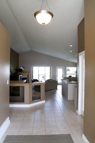 Photo 3: 415 Calderon Cr NW: Edmonton House for sale