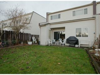 """Photo 9: 35 8555 KING GEORGE Boulevard in Surrey: Queen Mary Park Surrey Townhouse for sale in """"Bear Creek Village"""" : MLS®# F1302771"""