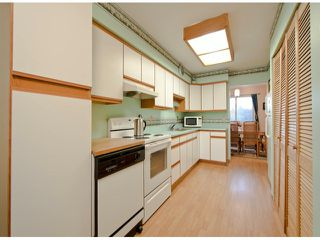 "Photo 4: 35 8555 KING GEORGE Boulevard in Surrey: Queen Mary Park Surrey Townhouse for sale in ""Bear Creek Village"" : MLS®# F1302771"