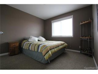 Photo 12: 355 Thode AVENUE in Saskatoon: Willowgrove Single Family Dwelling for sale (Saskatoon Area 01)  : MLS®# 460690
