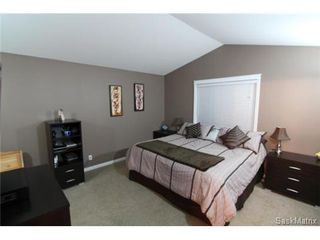 Photo 9: 355 Thode AVENUE in Saskatoon: Willowgrove Single Family Dwelling for sale (Saskatoon Area 01)  : MLS®# 460690