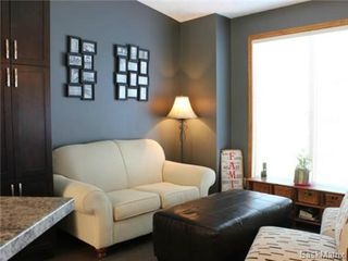 Photo 3: 502 Bronson Crescent in Saskatoon: Lakeridge Single Family Dwelling for sale (Saskatoon Area 01)  : MLS®# 469744