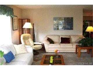 Photo 3:  in VICTORIA: SE Quadra Condo for sale (Saanich East)  : MLS®# 412213