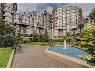 """Main Photo: G02 1470 PENNYFARTHING Drive in Vancouver: False Creek Condo for sale in """"Harbour Cove"""" (Vancouver West)  : MLS®# V1081390"""