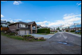 Photo 3: 1020 Southwest 23 Avenue in Salmon Arm: The Ridge House for sale (SW Salmon Arm)  : MLS®# 10097166