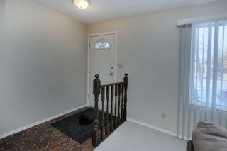 Photo 4: 20 Linwood Crescent in St. Albert: House for lease
