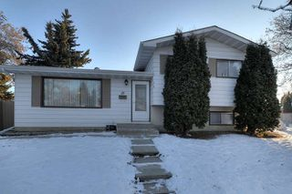 Photo 2: 20 Linwood Crescent in St. Albert: House for lease