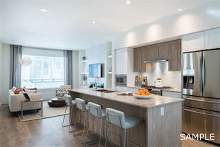 """Photo 3: 18 11188 72 Avenue in Delta: Sunshine Hills Woods Townhouse for sale in """"CHELSEA GATE"""" (N. Delta)  : MLS®# R2396591"""