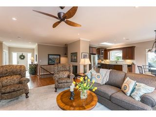 Photo 2: 47245 LAUGHINGTON Place in Sardis: Promontory House for sale : MLS®# R2435647