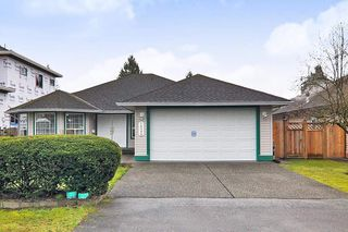 "Photo 1: 18598 58 Avenue in Surrey: Cloverdale BC House for sale in ""CLOVERDALE"" (Cloverdale)  : MLS®# R2439843"