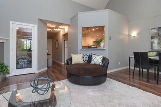Photo 12: 302 2211 Shelbourne St in : Vi Jubilee Condo for sale (Victoria)  : MLS®# 856216