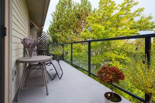 Photo 25: 302 2211 Shelbourne St in : Vi Jubilee Condo for sale (Victoria)  : MLS®# 856216