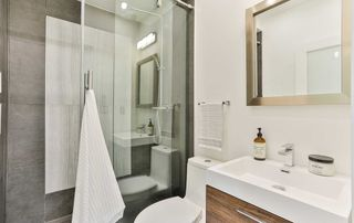 Photo 16: 206 Duplex Avenue in Toronto: Yonge-Eglinton House (2 1/2 Storey) for sale (Toronto C03)  : MLS®# C4934258