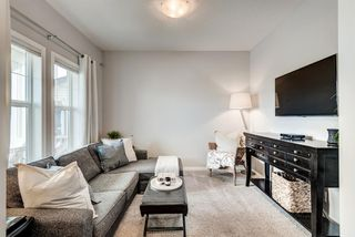 Photo 4: 345 NOLANFIELD Way NW in Calgary: Nolan Hill Detached for sale : MLS®# A1037738