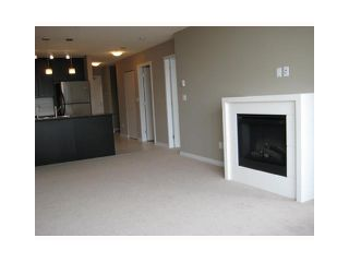 """Photo 5: 702 39 6TH Street in New Westminster: Downtown NW Condo for sale in """"The Quantum"""" : MLS®# V930398"""