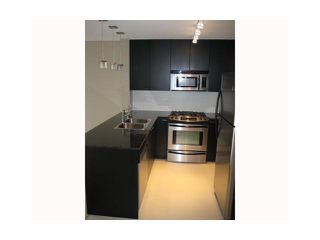 """Photo 3: 702 39 6TH Street in New Westminster: Downtown NW Condo for sale in """"The Quantum"""" : MLS®# V930398"""