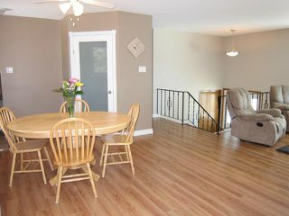Photo 4: 507 Emerson Avenue in WINNIPEG: North Kildonan Residential for sale (North East Winnipeg)  : MLS®# 1305214