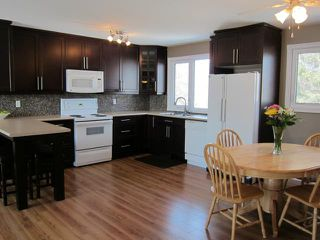 Photo 3: 507 Emerson Avenue in WINNIPEG: North Kildonan Residential for sale (North East Winnipeg)  : MLS®# 1305214