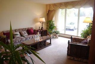 Photo 2: 252 Rochester Avenue in Winnipeg: Fort Garry / Whyte Ridge / St Norbert Residential for sale (South Winnipeg)  : MLS®# 1323439