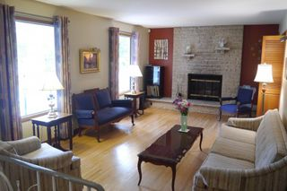 Photo 2: 83 Fordham Bay in Winnipeg: Fort Richmond Single Family Detached for sale (South Winnipeg)  : MLS®# 1420417