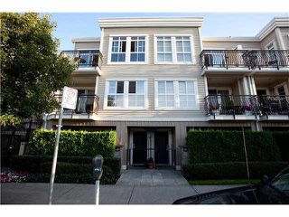 Photo 1: 686 W 7TH AVENUE in Vancouver: Fairview VW Townhouse for sale (Vancouver West)  : MLS®# R2100661