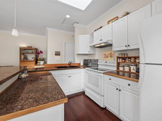 Photo 5: B - 778 CREEKSIDE Crescent in Gibsons: Gibsons & Area House 1/2 Duplex for sale (Sunshine Coast)  : MLS®# R2422485