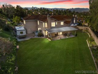 Photo 2: OCEANSIDE House for sale : 5 bedrooms : 1244 Sunbright Drive