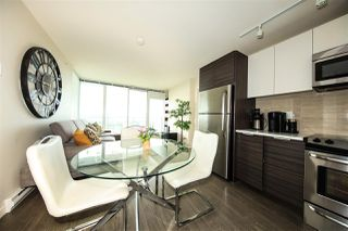 Photo 4: 2509 13303 CENTRAL AVENUE in Surrey: Whalley Condo for sale (North Surrey)  : MLS®# R2434021