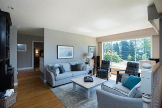 Photo 4: 13709 56A Avenue in Surrey: Panorama Ridge House for sale : MLS®# R2480678