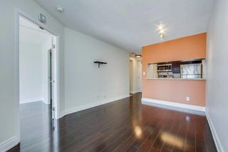 Photo 6: 711 222 The Esplanade Street in Toronto: Waterfront Communities C8 Condo for sale (Toronto C08)  : MLS®# C4900923