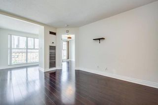 Photo 5: 711 222 The Esplanade Street in Toronto: Waterfront Communities C8 Condo for sale (Toronto C08)  : MLS®# C4900923