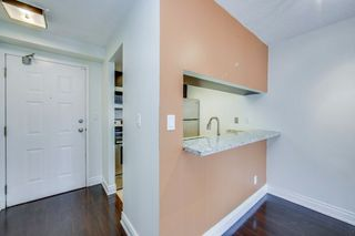 Photo 11: 711 222 The Esplanade Street in Toronto: Waterfront Communities C8 Condo for sale (Toronto C08)  : MLS®# C4900923