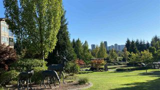 Photo 3: 316 3110 DAYANEE SPRINGS Boulevard in Coquitlam: Westwood Plateau Condo for sale : MLS®# R2496797