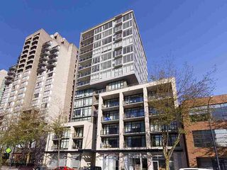 """Photo 3: 804 1252 HORNBY Street in Vancouver: Downtown VW Condo for sale in """"The Pure"""" (Vancouver West)  : MLS®# R2520284"""