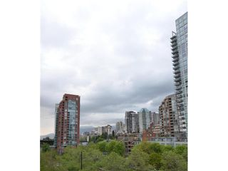 "Photo 10: 801 1500 HOWE Street in Vancouver: Yaletown Condo for sale in ""THE DISCOVERY"" (Vancouver West)  : MLS®# V952312"