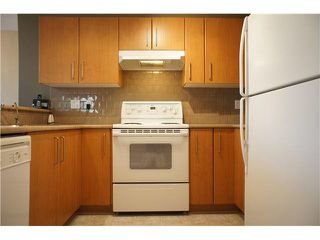 "Photo 10: 216 7330 SALISBURY Avenue in Burnaby: Highgate Condo for sale in ""BOTANICA"" (Burnaby South)  : MLS®# V1080383"