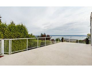 Main Photo: 2566 Westhill Drive in West Vancouver: Westhill House for sale : MLS®# V1122575
