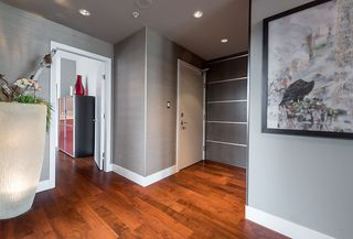 Photo 2: 801 1675 W 8TH AVENUE in Vancouver: Fairview VW Condo for sale (Vancouver West)  : MLS®# R2042597