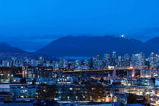 Photo 6: 801 1675 W 8TH AVENUE in Vancouver: Fairview VW Condo for sale (Vancouver West)  : MLS®# R2042597