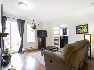 Photo 2: 305 2736 Victoria Street in Vancouver: Grandview VE Condo for sale (Vancouver East)  : MLS®# R2045239