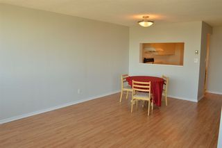 Photo 4: 1606 14881 103A AVENUE in Surrey: Guildford Condo for sale (North Surrey)  : MLS®# R2313907