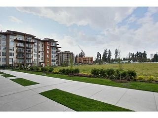 Photo 2: 525 5955 BIRNEY AVENUE in Vancouver: University VW Condo for sale (Vancouver West)  : MLS®# R2328865