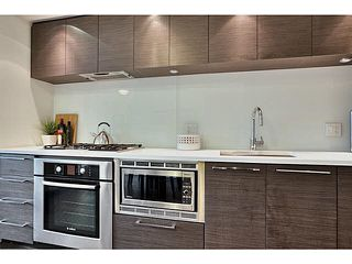 Photo 3: 525 5955 BIRNEY AVENUE in Vancouver: University VW Condo for sale (Vancouver West)  : MLS®# R2328865
