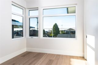 Photo 12: 15 HOWARD AVENUE in Burnaby: Capitol Hill BN House for sale (Burnaby North)  : MLS®# R2357181