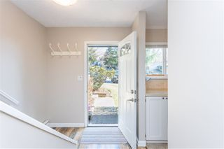 "Photo 2: 853 BLACKSTOCK Road in Port Moody: North Shore Pt Moody Townhouse for sale in ""WOODSIDE VILLAGE"" : MLS®# R2447031"