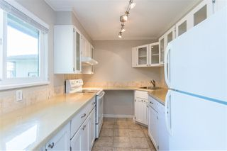 """Photo 3: 853 BLACKSTOCK Road in Port Moody: North Shore Pt Moody Townhouse for sale in """"WOODSIDE VILLAGE"""" : MLS®# R2447031"""