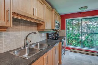 Photo 10: 203 1190 View St in Victoria: Vi Downtown Condo for sale : MLS®# 845109